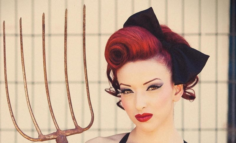 pin-up-frisuren-updo