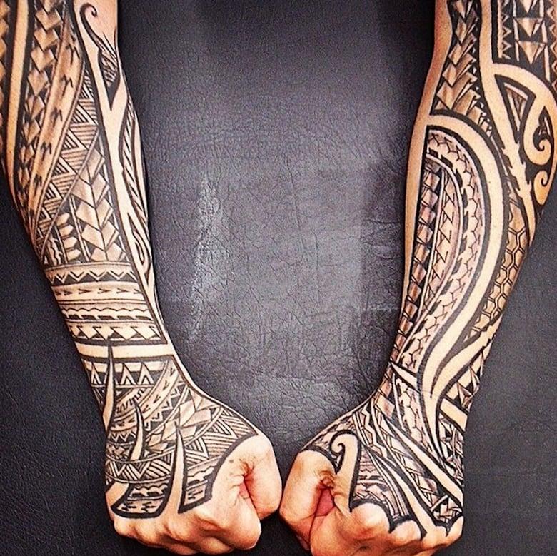 polynesische tattoos heilige kunst mit zahlreichen. Black Bedroom Furniture Sets. Home Design Ideas