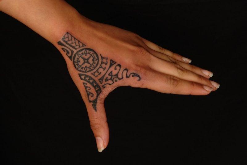 polynesische tattoos modern