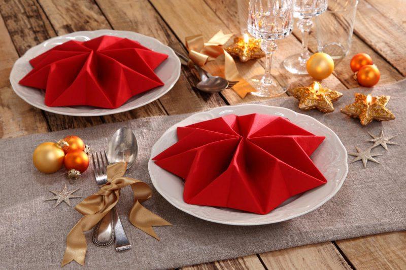 Stern Servietten falten für Weihnachten