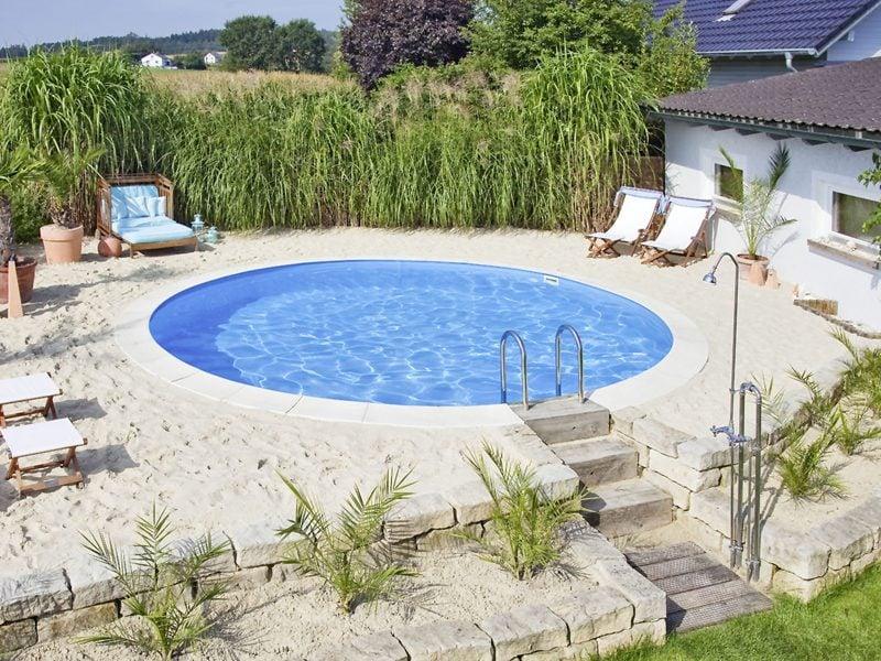klein rundes Swimmingpool