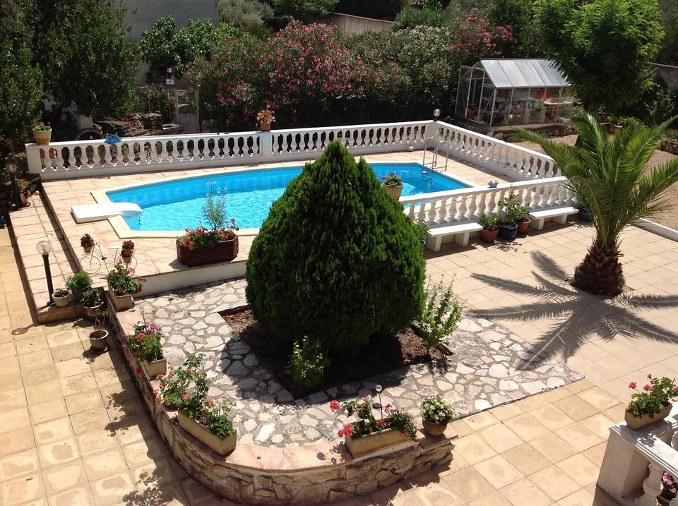 swimmingpool 33 erstaunliche ideen f r kleine oase im garten garten pooldesign zenideen. Black Bedroom Furniture Sets. Home Design Ideas