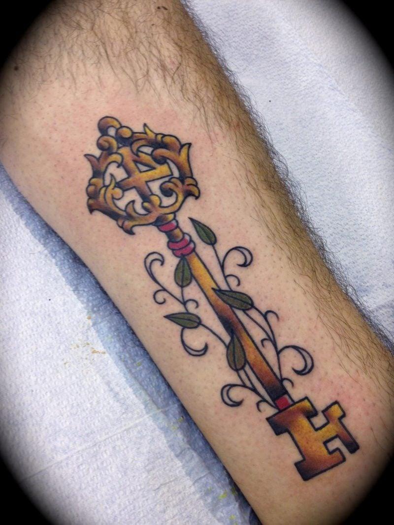 Tattoo Schlüssel mehrfarbig