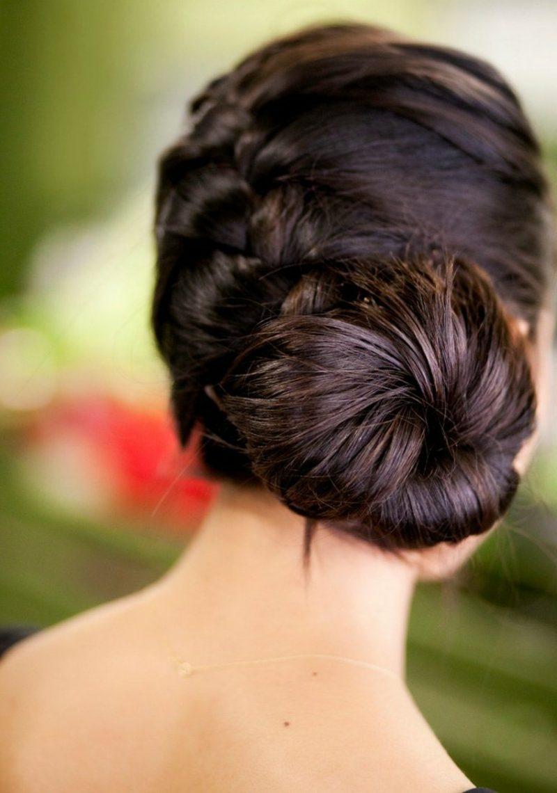 elegante Damenfrisuren Haarknoten