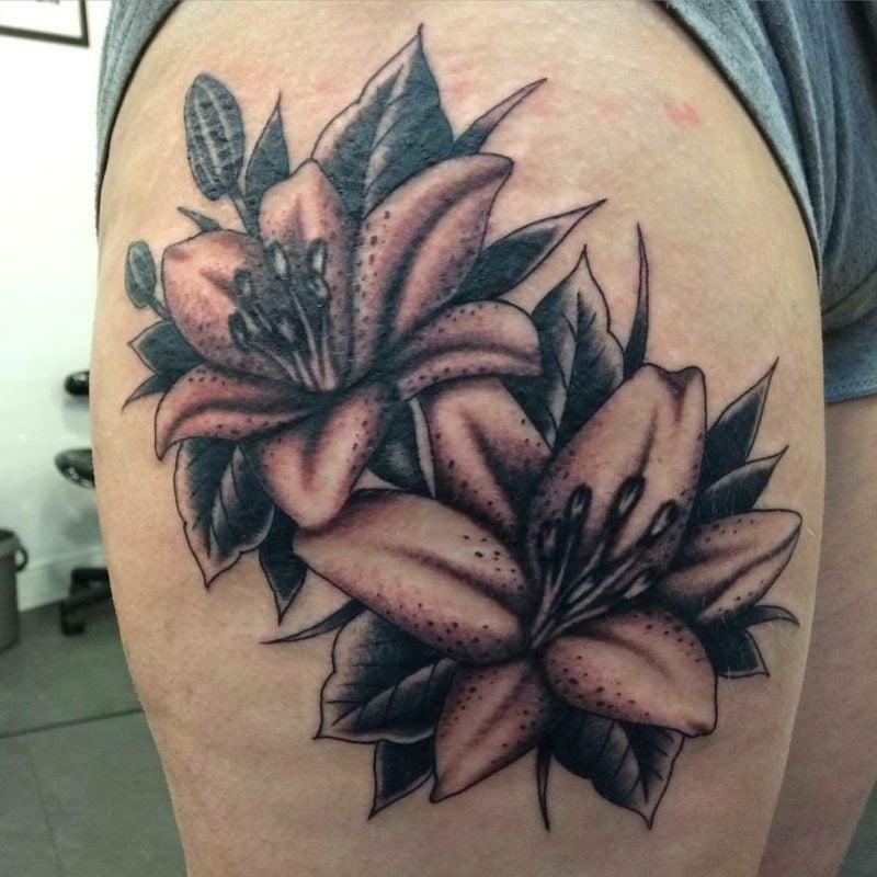 Lilien Tattoo Ideen und Inspirationen