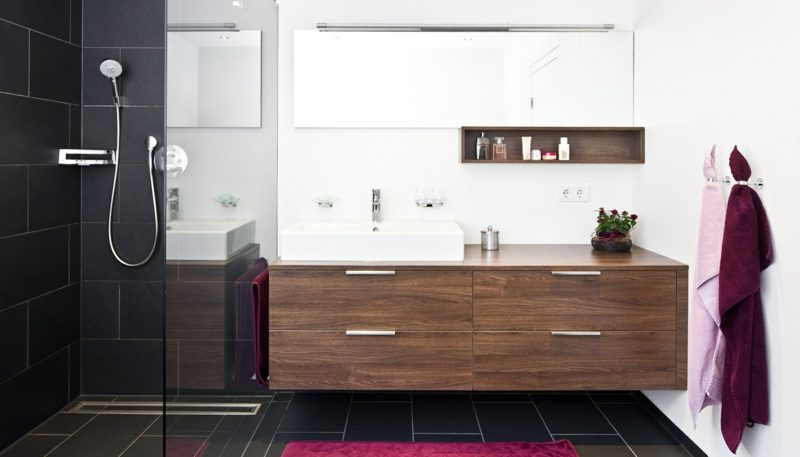 Badezimmer ideen dusche  Gemauerte Dusche als Blickfang im Badezimmer: Vor- und Nachteile