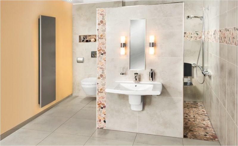 modernes Badezimmer mit gemauerten Dusche