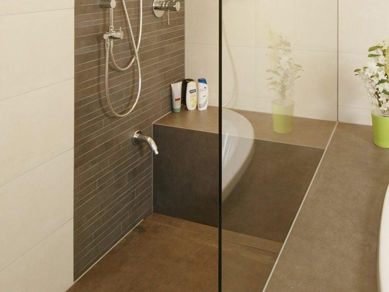 modernes Baddesign gemauerte Dusche