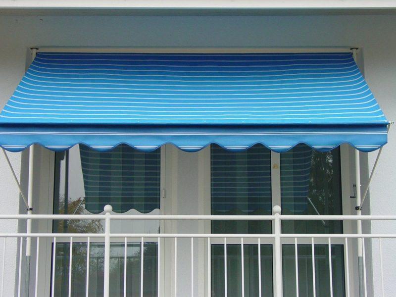 Balkonmarkise im Blau