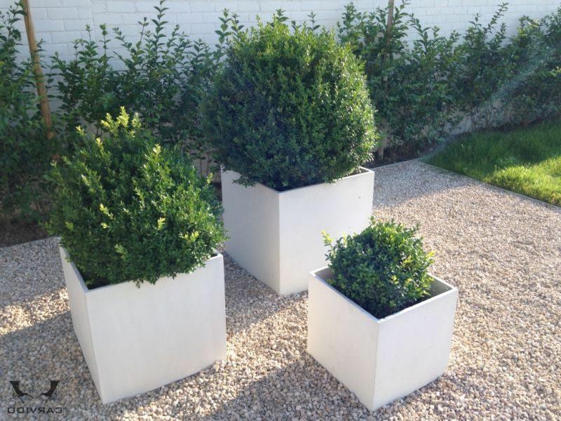 blumenk bel aus beton 25 spektakul re dekoideen f r die terrasse. Black Bedroom Furniture Sets. Home Design Ideas