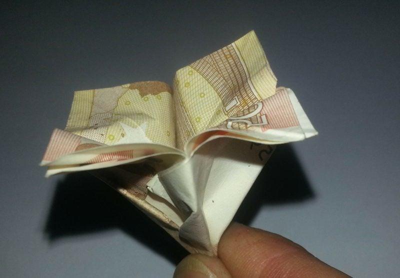 originelle Blume aus Geldscheinen