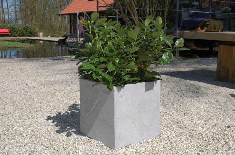 Pflanzkübel aus Beton Quadratform