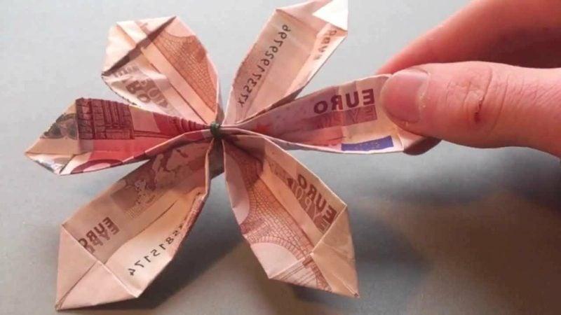 interessante Blume aus Geldscheinen