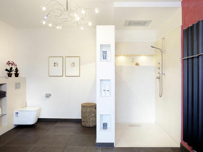 Badezimmer hell gemauerte Dusche