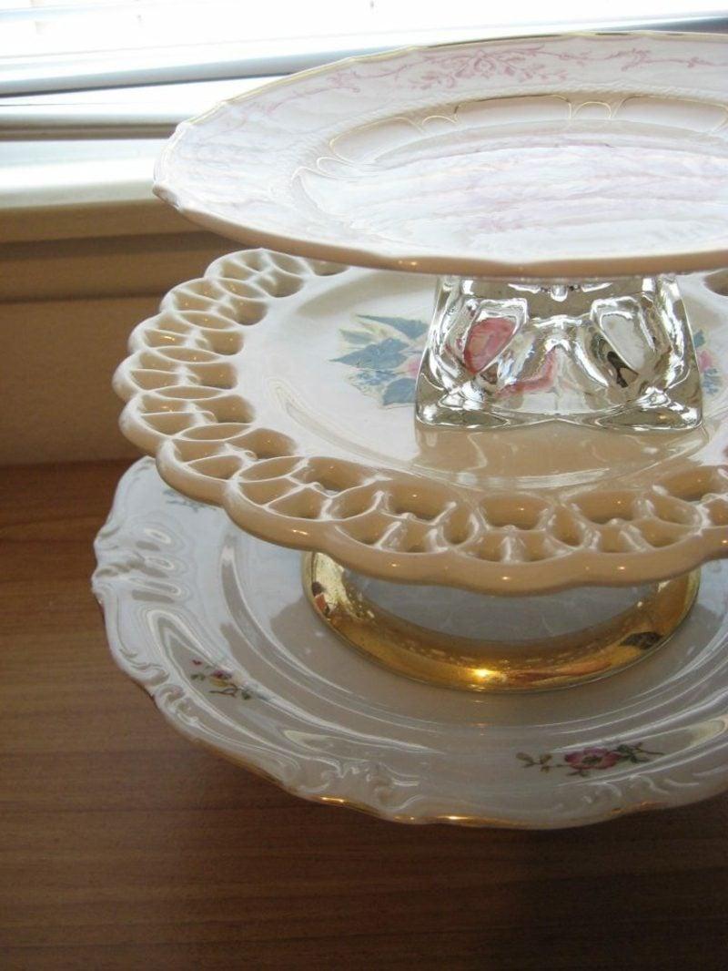 Etagere originelle Teller mit goldenen Ornamenten