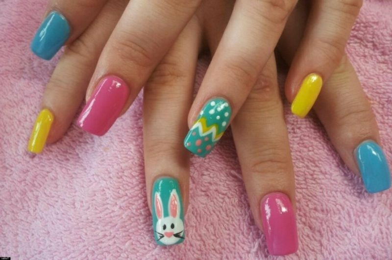 Nageldesign Frühling Ostermotiven