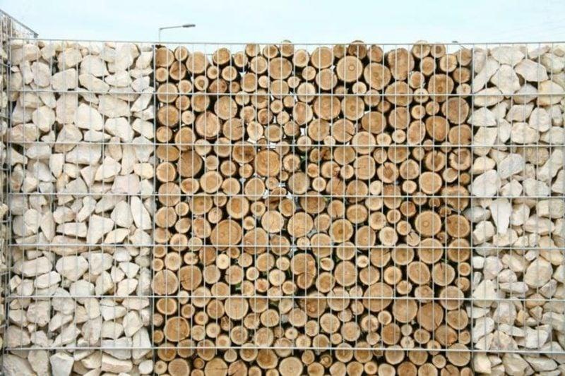 Gabionenwand originelle Kombination zwischen Holz und Stein