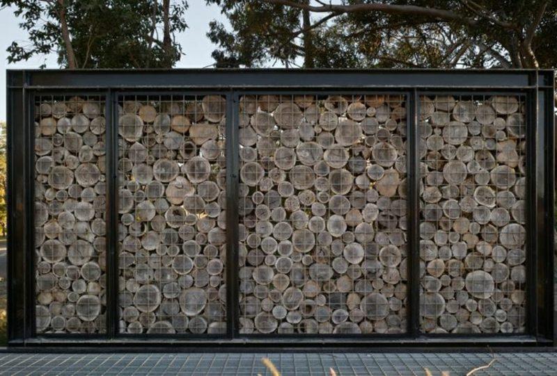 Gabionenwand Holz attraktive Gestaltungsideen