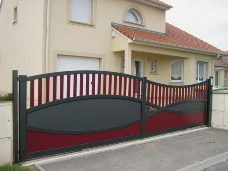Metallgartentore modern gates sliding black red