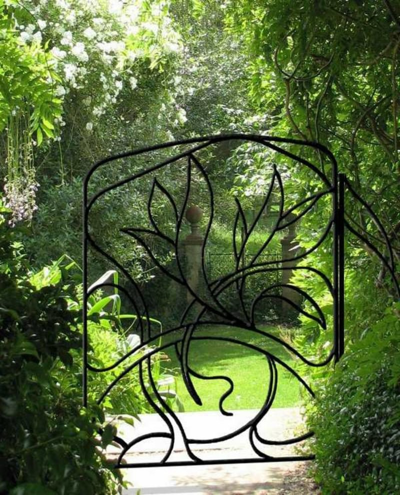 Metallgartentore wrough gate flower decorating