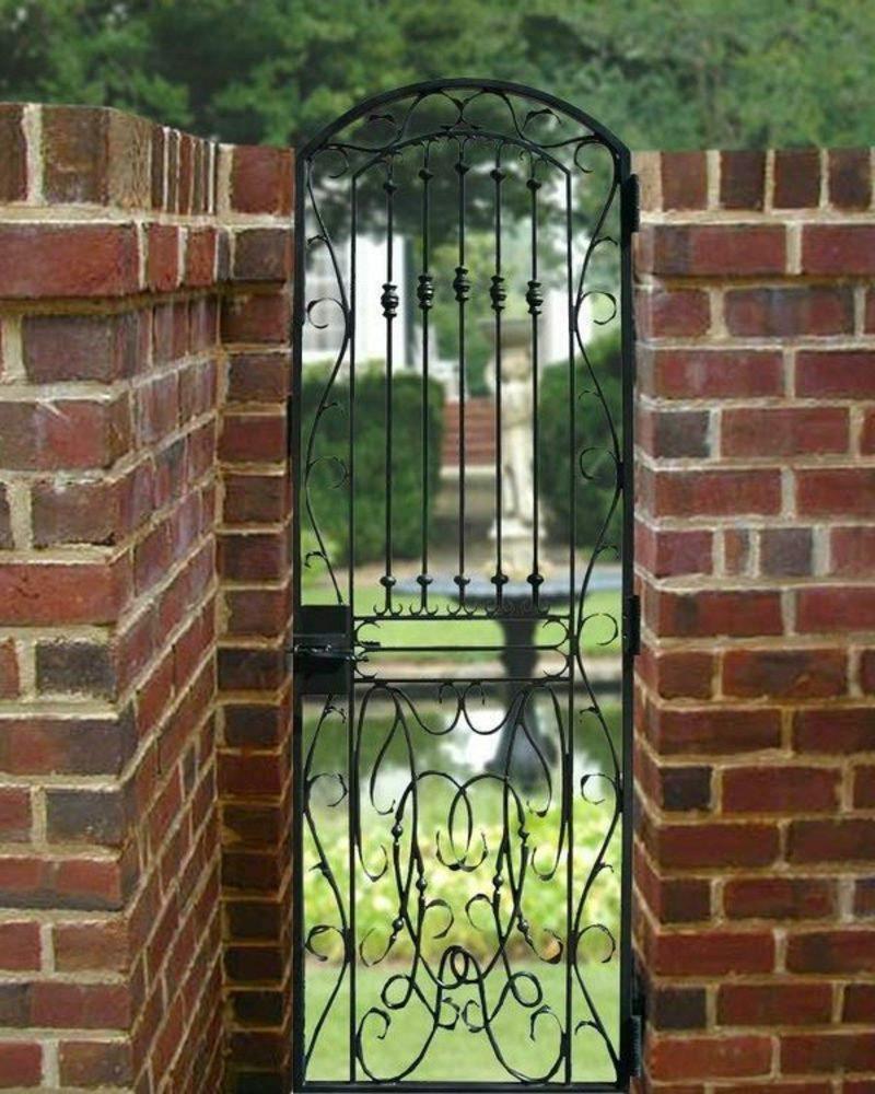 Metallgartentore wrought brick