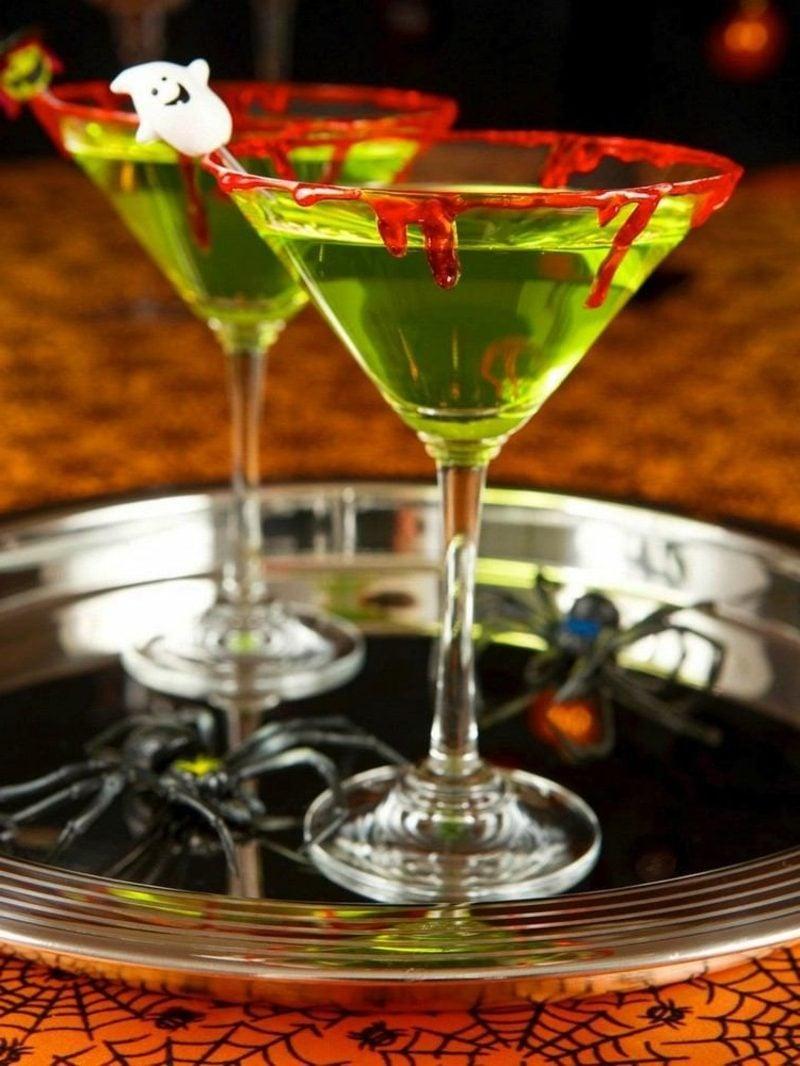 Martini Gläser mit Kunstblutrand