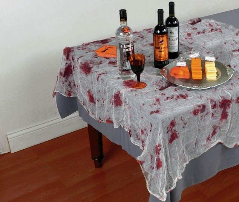 Halloween Deko Tischdecke Kunstblutflecken