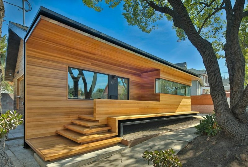 holzbungalow-bungalow-remodelled-into-wooden-fenlon-house-by-martin-fenlon-architecture-01