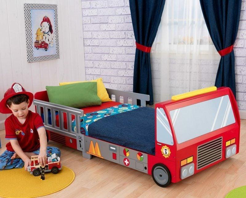 mitwachsendes Kinderbett Feuerwehrauto Jungenzimmer