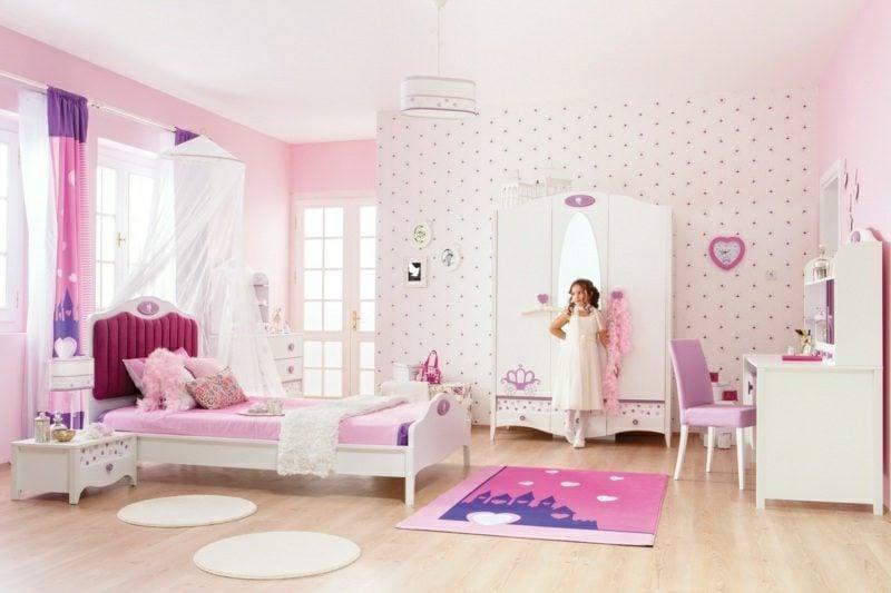 Mädchenzimmer mit mitwachsendem Kinderbett