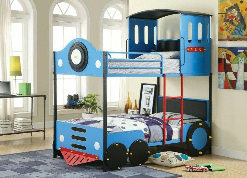 Jungenzimmer mitwachsendes Kinderbett Zug