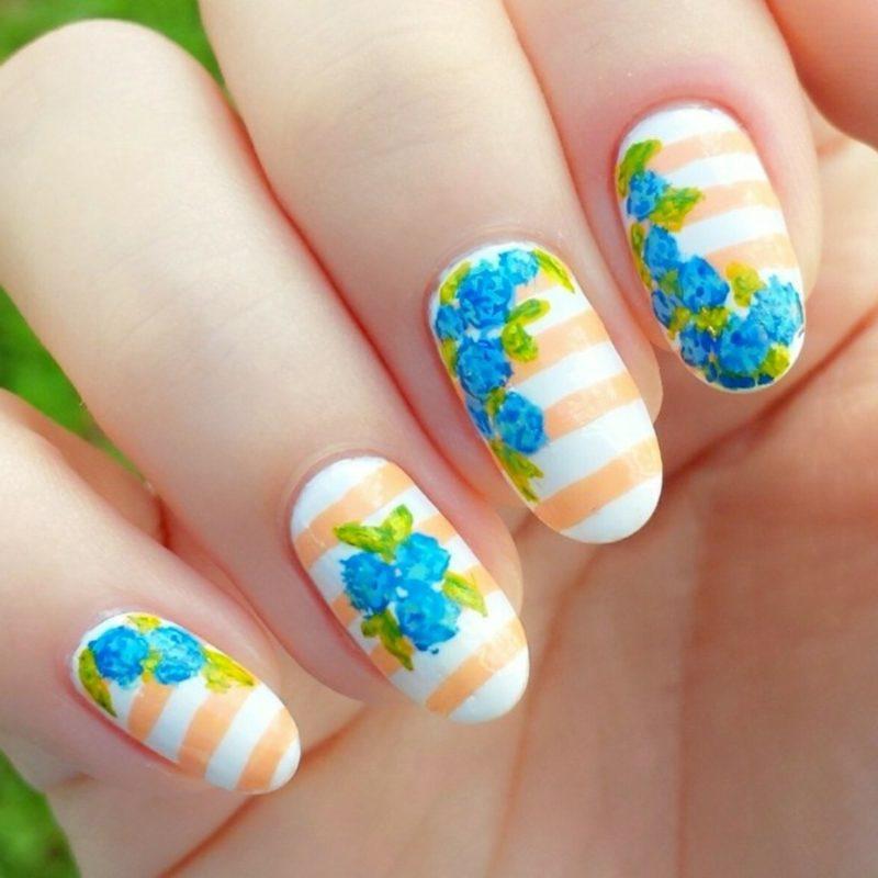Blumen und Streifen originelle Motive Frühling Nageldesign