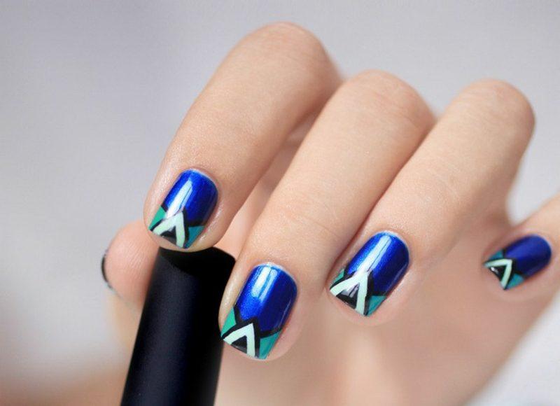 Fingernägel Kobalt