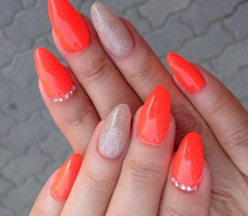 interessantes Nageldesign Orange