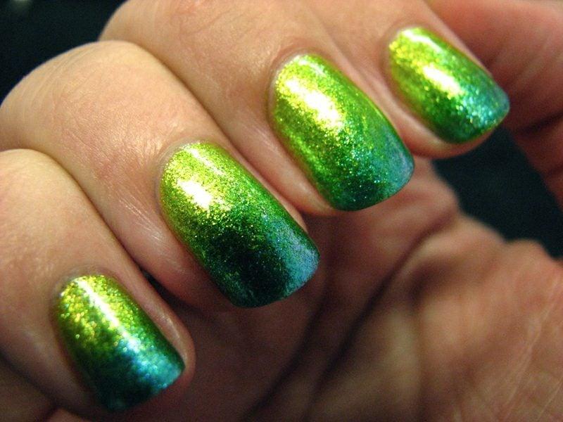 Fingernägel Ombre Effekt ineinander fliessende Farben