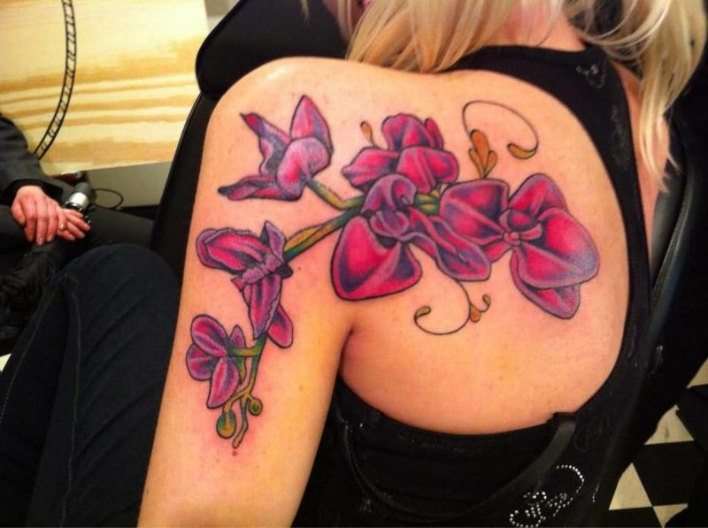orchideen tattoo back shoulder