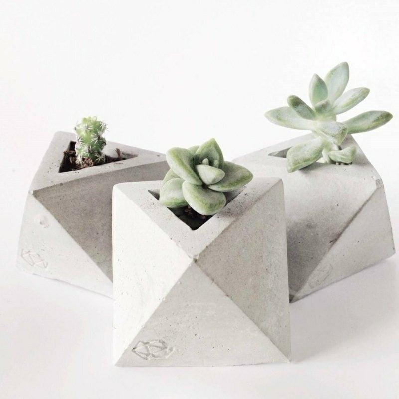 Blumenkübel aus Beton geometrische Formen