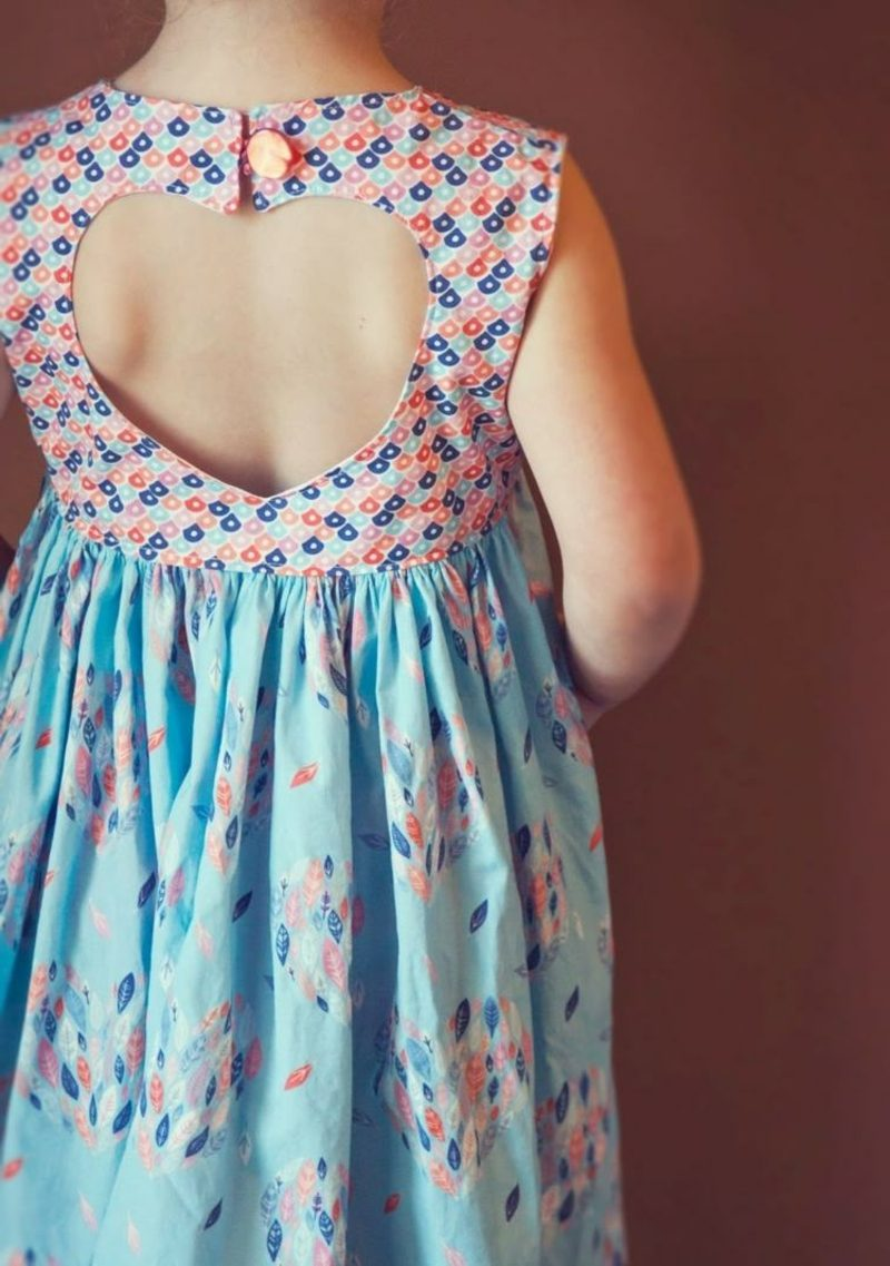 Kinderkleidung nähen Sommerkleid aus zwei Stoffen