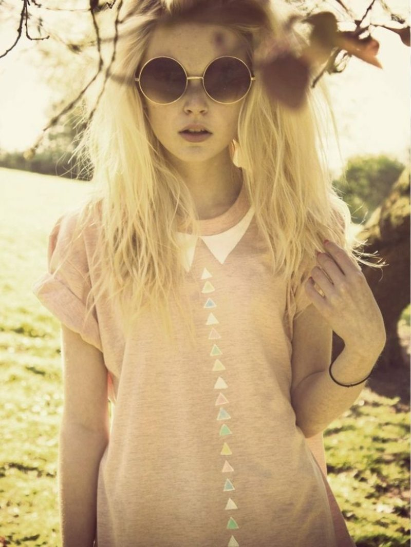 modernes T-Shirt Dreiecke in Pastellfarben