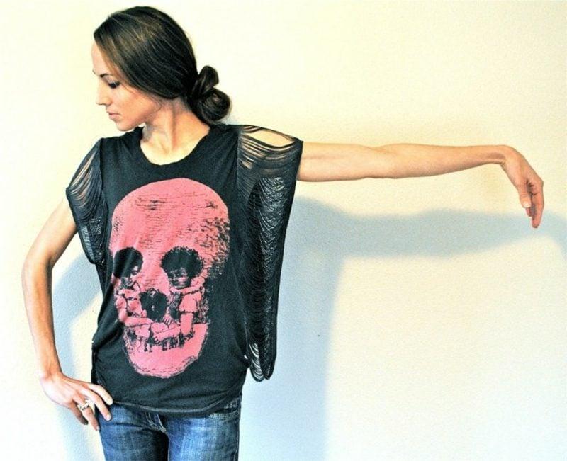 interessantes T-Shirt mit Totenkopf