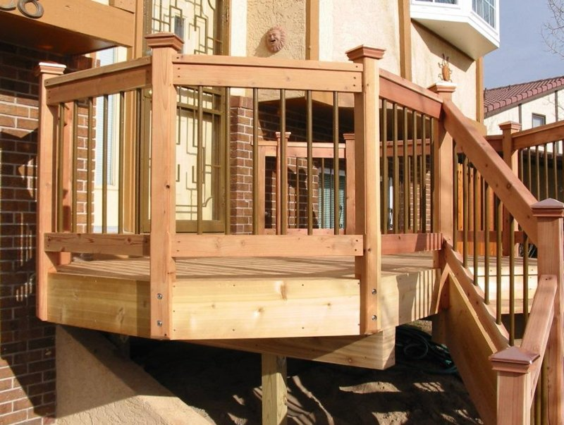 terrassengelander-how-to-build-a-wooden-deck-rail