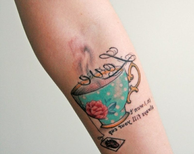 Teetasse Tattoo Unterarm