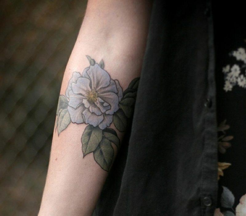 Tattoo Unterarm blaue Rose