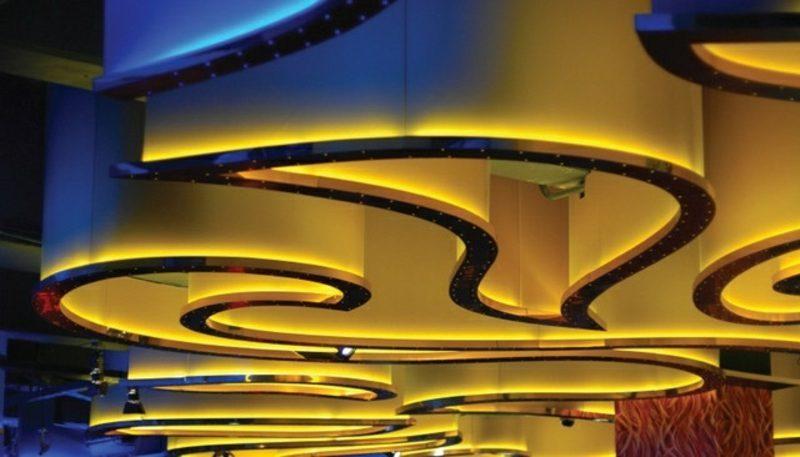 Decke originelle Lichteffekte indirekte Beleuchtung