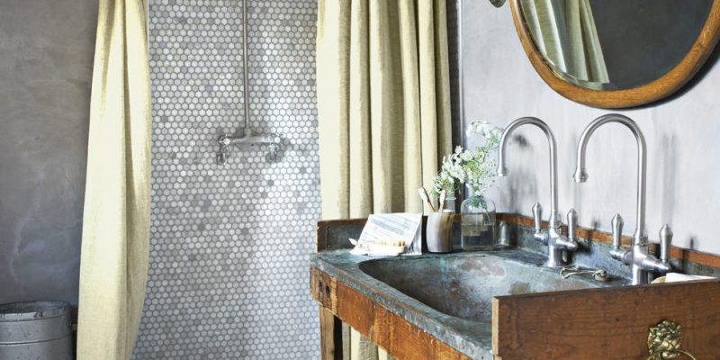 badgetsaltung ideen im landhaus stil mit mosaik auf der wand