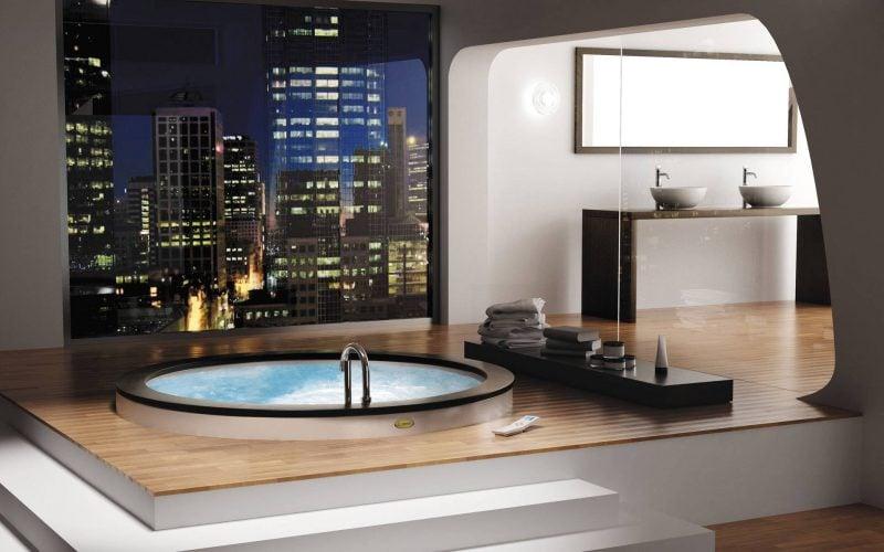 badgetsaltung ideen für luxusbad auf dem letzten stock mit wunderschöner ausblick