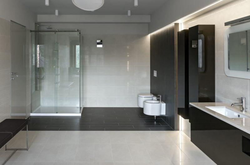 badgestaltung ideen glänzende oberflächen und klare linien miteinander kombiniert