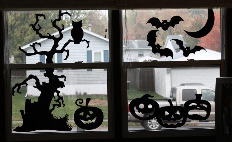 Mit Bastelvorlagen können Sie die Fenster dekorieren