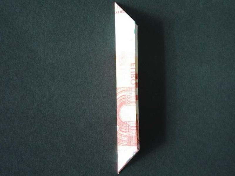 Geldschein zur Blume falten Bilderanleitung