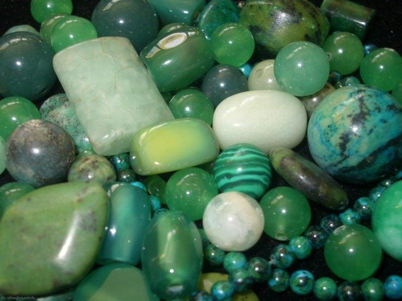 gruene steine